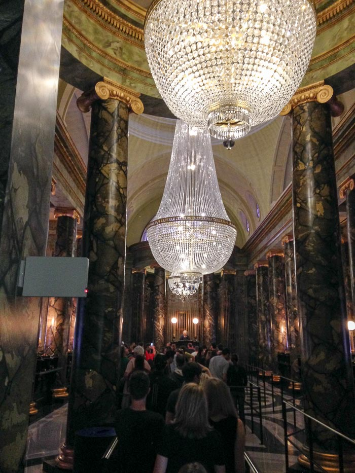 Dentro do banco Gringotts de Harry Potter